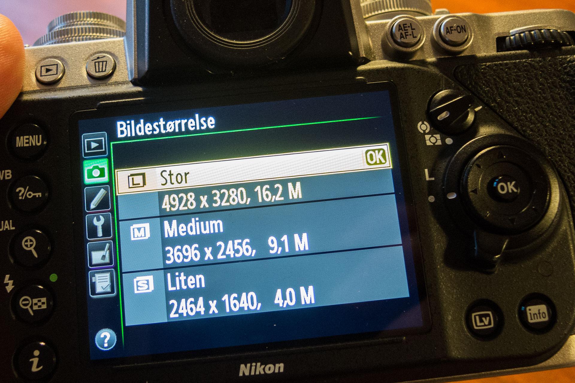 Valg av bildestørrelse på et Nikon Df