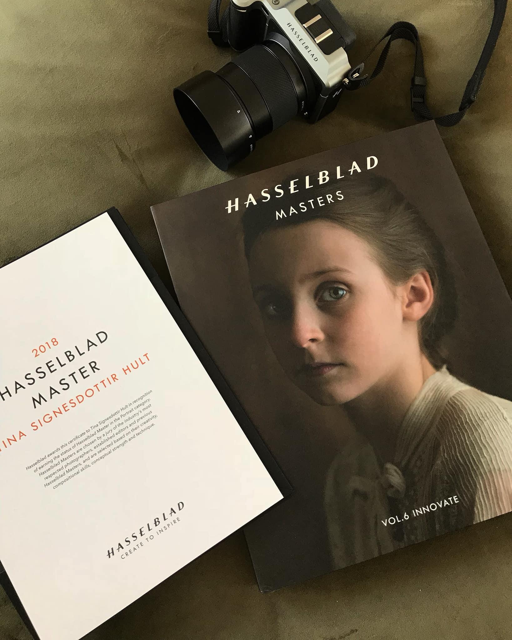 Tina Signesdottir Hults bilde pryder omslaget til Hasselblad Master-boken