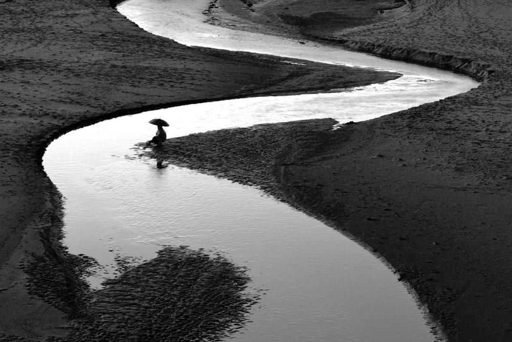 Ved elva---Rolf Sylta