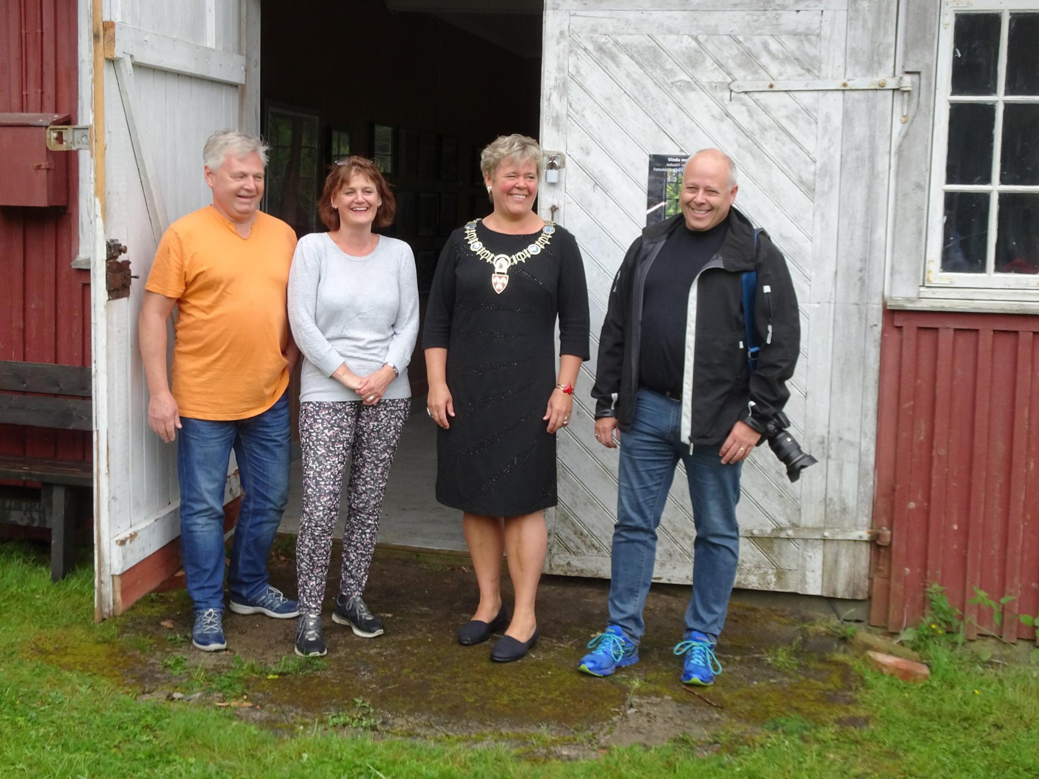 Vindu mot Eidsfoss – Tønsberg Kamera Klubb med utstilling