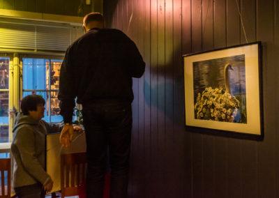 """Kragerø fotoklubb stiller ut """"Hos Gro"""""""