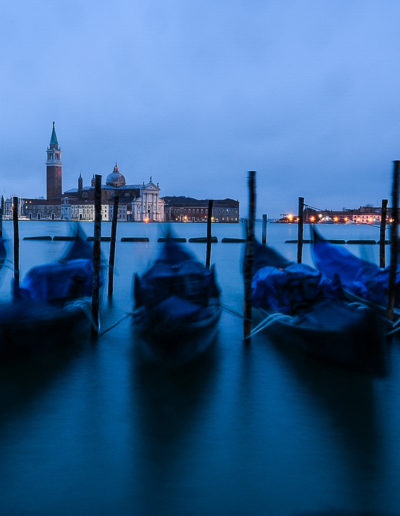 Gondolas in the blue hour (foto: Anne Katharine Dahl)