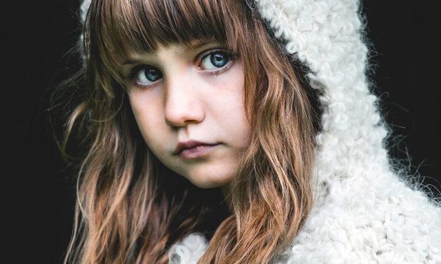 Landslaget til 28th FIAP Colour Biennial: «Portrett blå øyne»