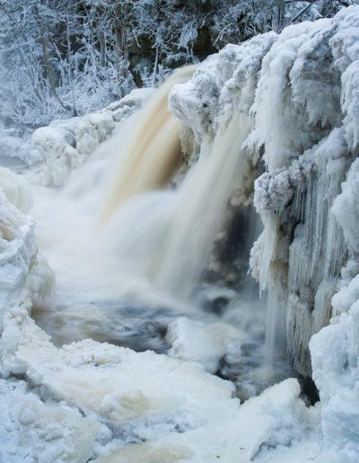 Atle Sveen: Winter waterfall III