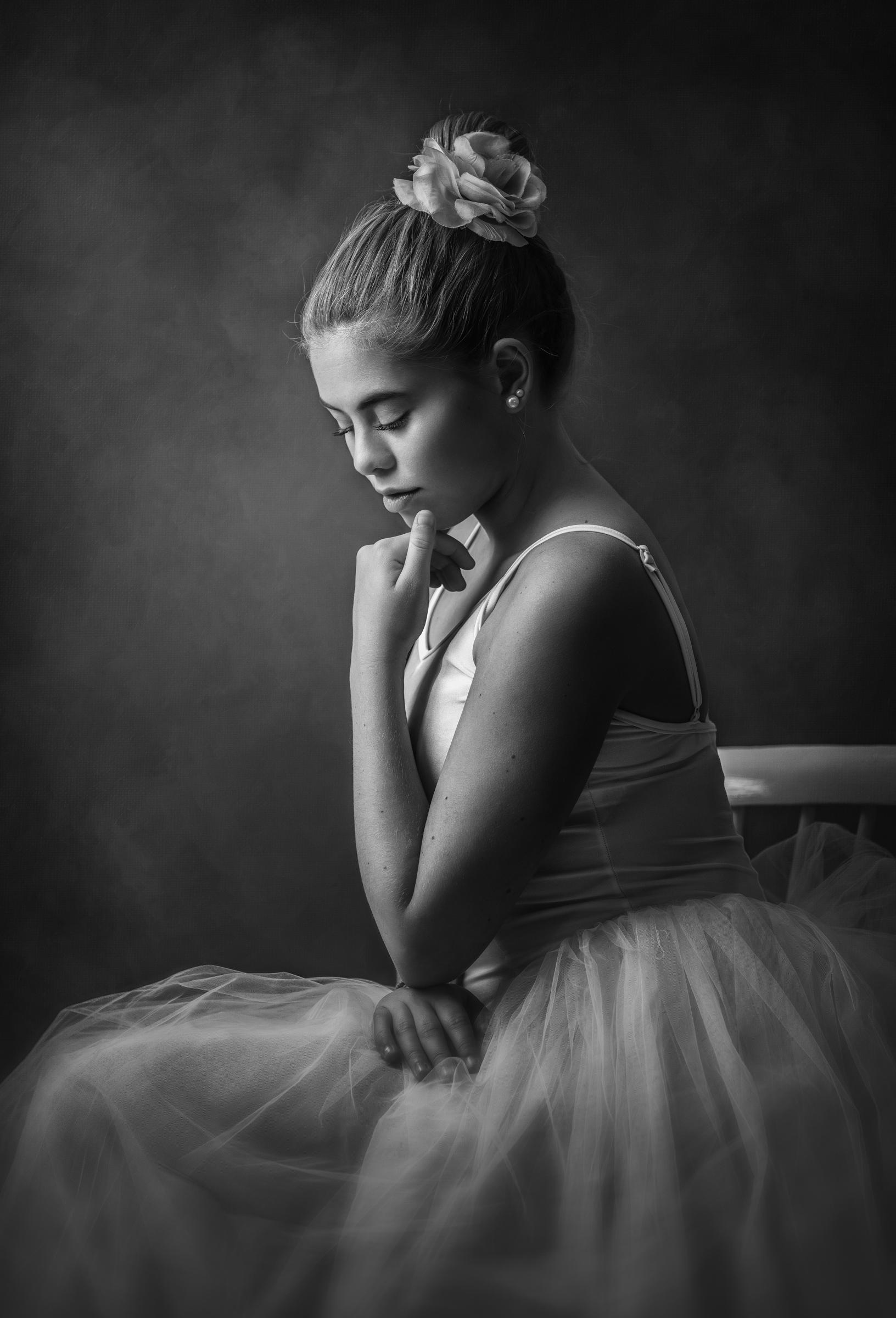"""Nina Carlsen """"Ballerina"""" - antatt høstrunden 2019, projeksjon monokrom"""