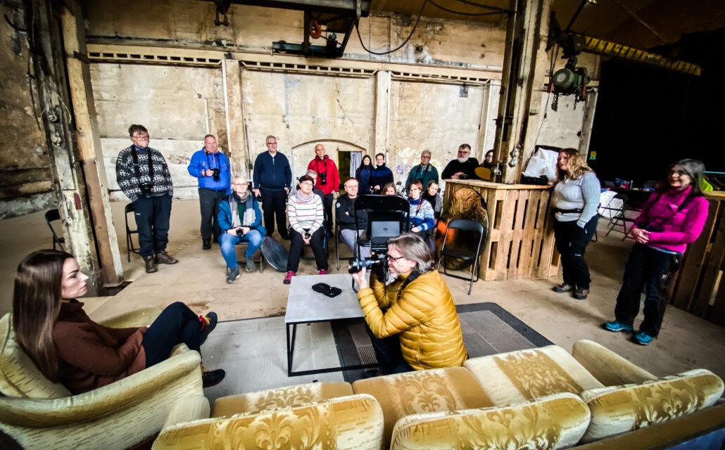 Harstad fotoklubbs workshop i portrettfotografering med Bjørn Joachimsen