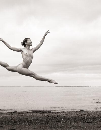 EFIAP-P Håkon Grønning: Anna flying by the sea