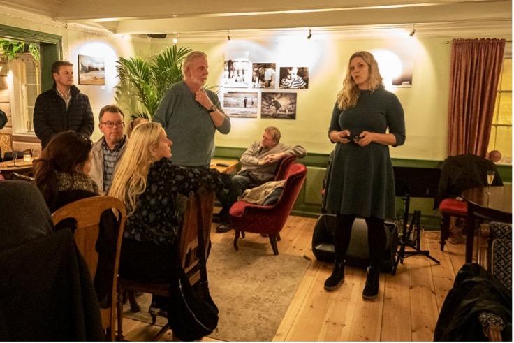 Arendal fotoklubb: Åpning av utstilling